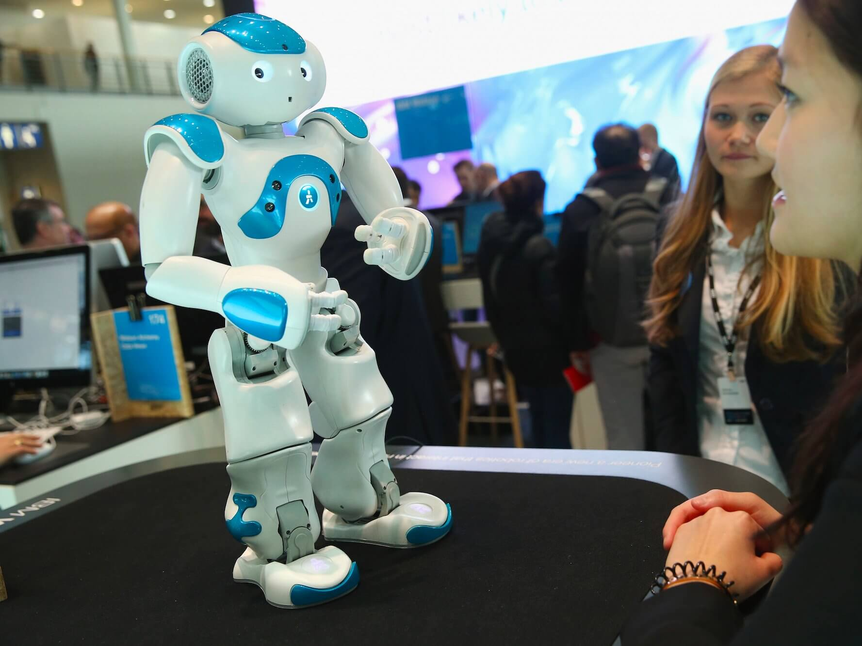 IBM A.I. Robtot is answering the Q of its visitors